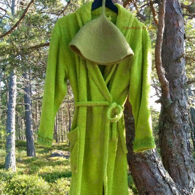 Vihreä kylpytakki