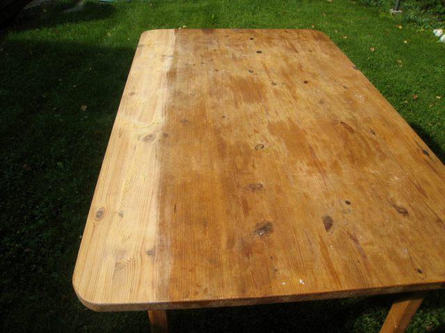 Pöydän hiontaa