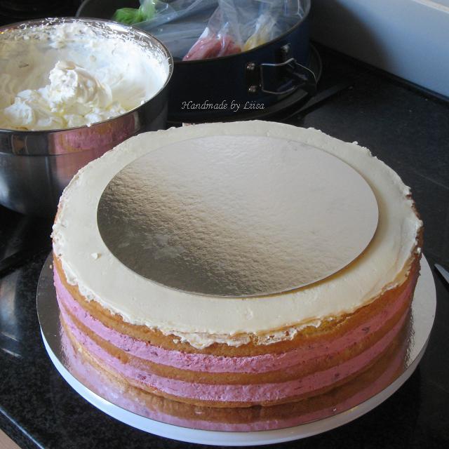 Täytetty kakku.JPG345292449