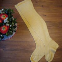 Knitted historical stockings, ohuet 1600-luvun villasukat