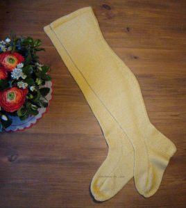 Keltaiset sukat