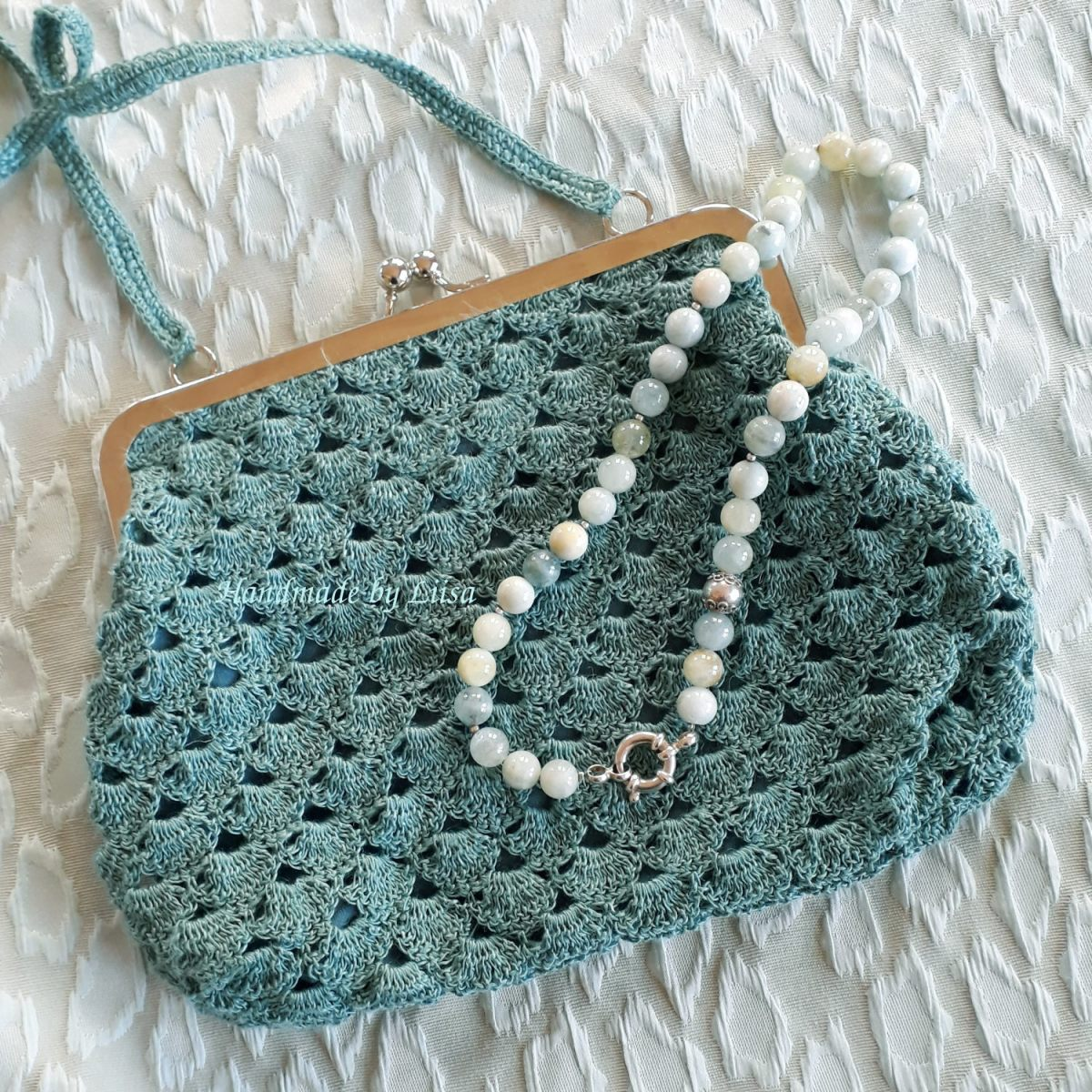 Crocheted purses, virkattuja pikkulaukkuja